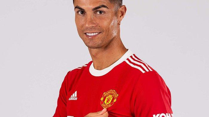Cristiano Ronaldo resmi berseragam Manchester United musim 2021-2022