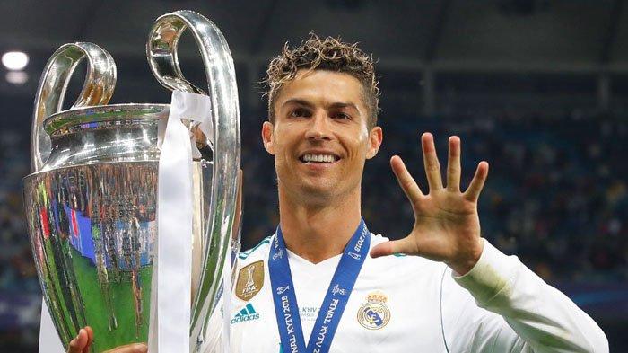HEBAT! Cristiano Ronaldo Adalah Manusia Pertama dengan 5 Trofi Liga Champions & 5 Ballon d'Or