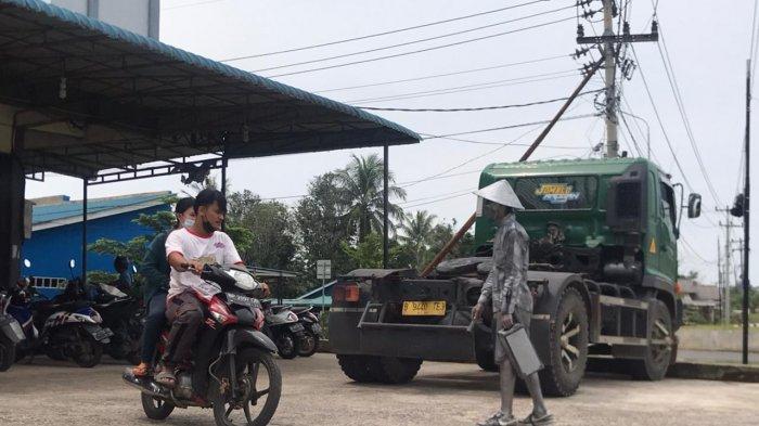 Curhat Manusia Silver saat Pandemi, Dasril Terpaksa Tinggalkan Usaha Bakso Bakar
