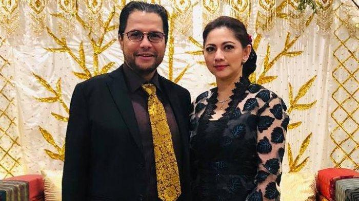 Cut Keke bersama suaminya Pengacara kondang Malik Bawazier