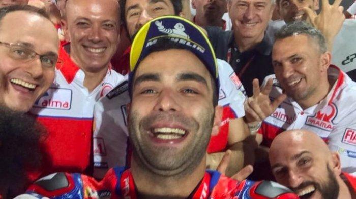 Danilo Petrucci Sebut Valentino Rossi Seperti Maradona-nya MotoGP. Kalo Marquez Gimana?