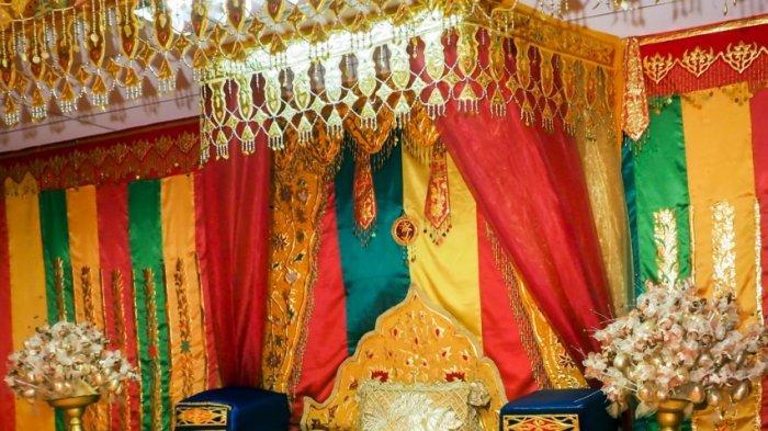 Mengenal Dekorasi Pelaminan Khas Melayu di Kota Batam, Identik dengan 3 Warna Penuh Makna