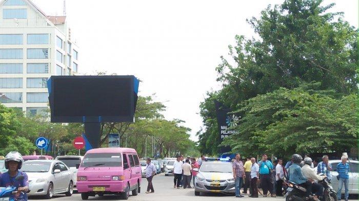 Perwakilan ASK Tak Ambil Pusing Pengelola Mal di Batam Centre Tarik Kebijakan Soal Taksi Online