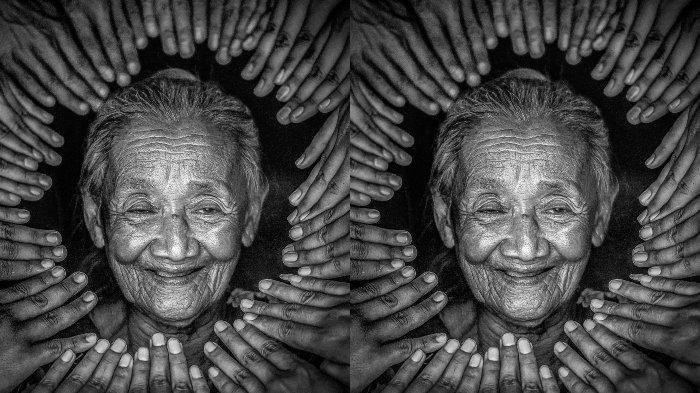 Siapa Mbah Diseh? Nenek Asal Pekalongan Viral Jadi Foto Model, Aura Kecantikan Awet