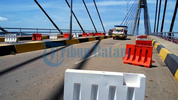 Pedagang di Pinggiran Jembatan 1 Barelang Masih Tetap Berjualan Walaupun Hendak Digusur