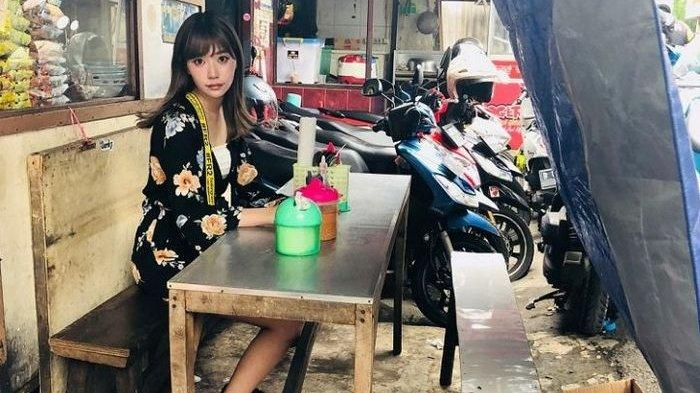 Diputus Pacarnya Karena Ngajak Makan di Warung Pinggir Jalan, Wanita Ini Justru Dibuat Menyesal