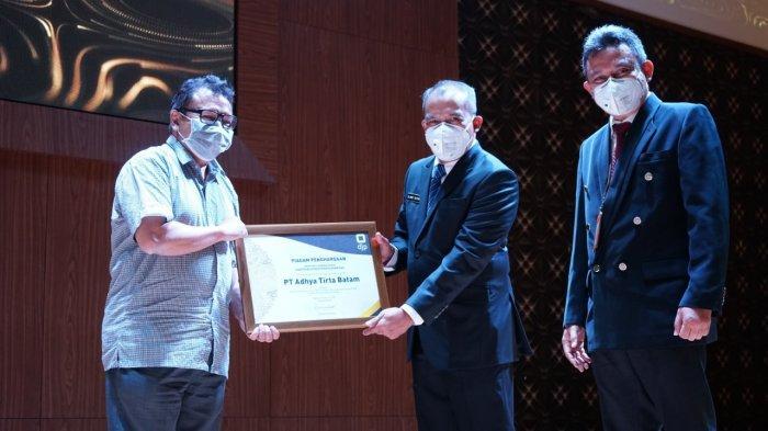 Adhya Tirta Batam (ATB) Terima Penghargaan Dirjen Pajak