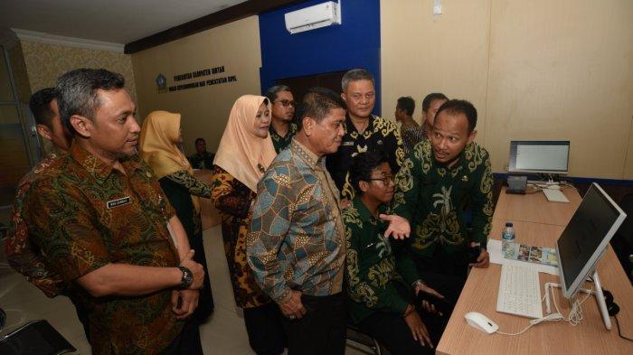 Disdukcapil Bintan Resmikan Layanan Berbasis Online, Warga Bisa Akses Lewat Smartphone