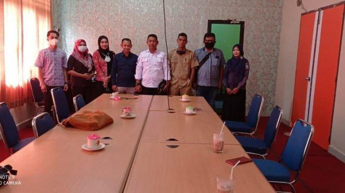 Perwakilan Diskominfotik Anambas saat mengunjungi Balai teknologi informasi dan komunikasi pendidikan Dinas Pendidikan Provinsi Kepulauan Riau.