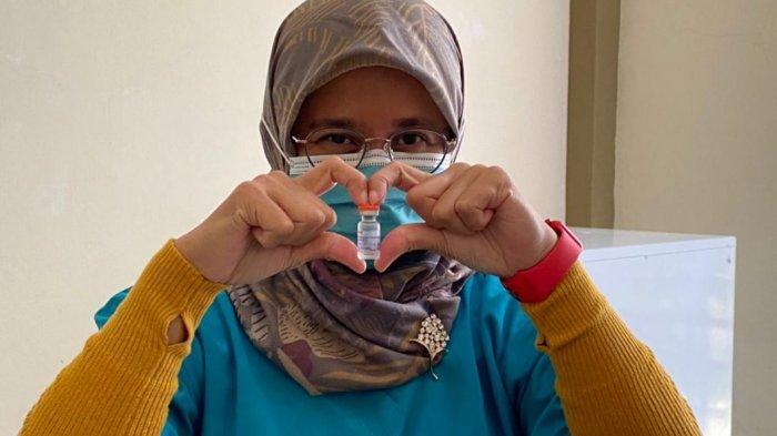 Cerita Dyah Dokter Spesialis Paru Satu-satunya di Karimun Setelah Disuntik Vaksin Corona