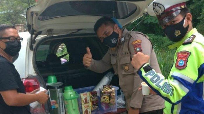 Petugas PPKM Darurat Gembira Setiap 'Mobil Kopi' Datang, Aksi Simpatik Diver Gocar Banjir Pujian