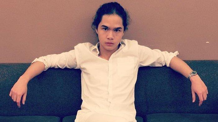 Beri Hak Suara, Dul Jaelani Cuma Pakai Pakaian Rumahan & Sandal ke TPS