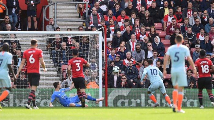 Babak I Southampton vs Chelsea - Gol Eden Hazard Bawa The Blues Unggul 1-0