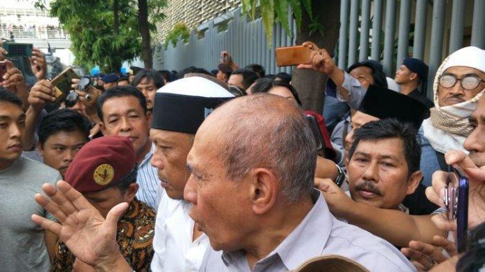 Eggi Sudjana & Kivlan Zen Kembali Pimpin Massa Geruduk KPU, Polisi Siagakan 8.942 Personel