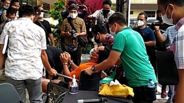 FAKTA Eks Brimob Tembak Polisi, Teror Suruhan Perempuan, Todongkan Senpi ke Kepala Korban