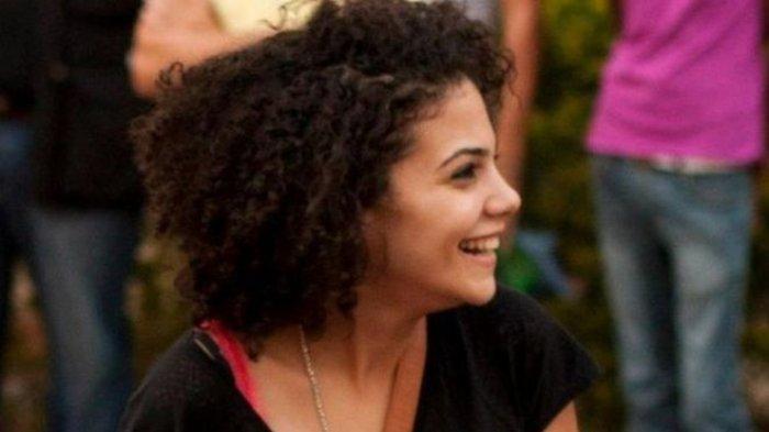 Di Mesir Rambut Keritingnya Dianggap Kutukan, Eman pun Hijrah ke Spanyol. Begini Nasibnya Kini