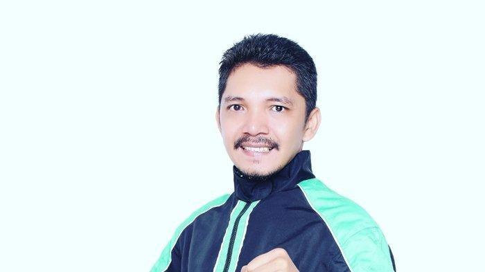Erwin Siahaan Pengemudi Ojek Online Jadi Anggota DPRD, Kartu Namanya Pernah Dirobek Saat Kampanye