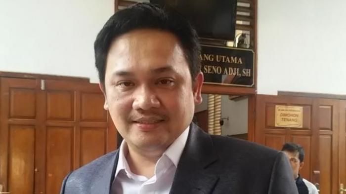 Farhat Abbas Kena Bully di Medsos Gara-gara Opininya Kepada Jokowi soal Ini