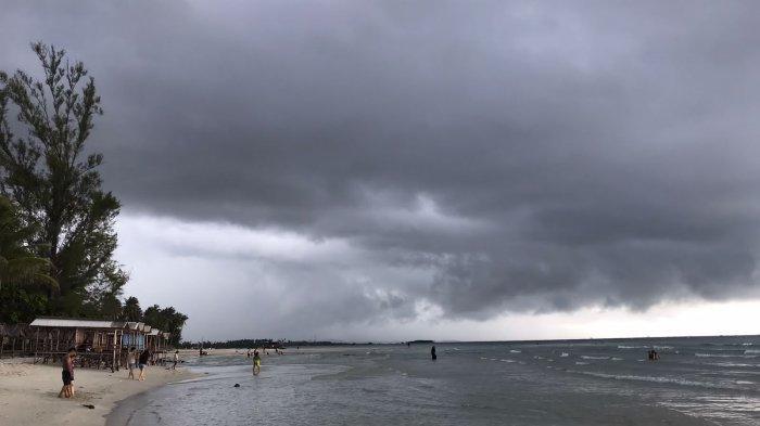 Prakiraan Cuaca Kepri Hari Ini, BMKG: Hujan Bisa Disertai Petir & Angin Kencang