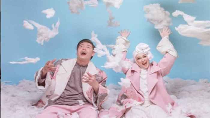 Unggah Foto Prewedding, Roger Danuarta dan Cut Meyriska Disebut Mirip Artis Korea