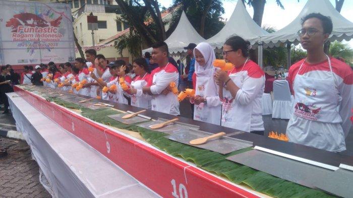 Event Funtastic Ragam Indonesia, Pembuatan Roti Jala sepanjang 73 Meter Dimulai!