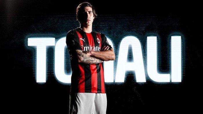Gelandang AC Milan asal Italia, Sandro Tonali