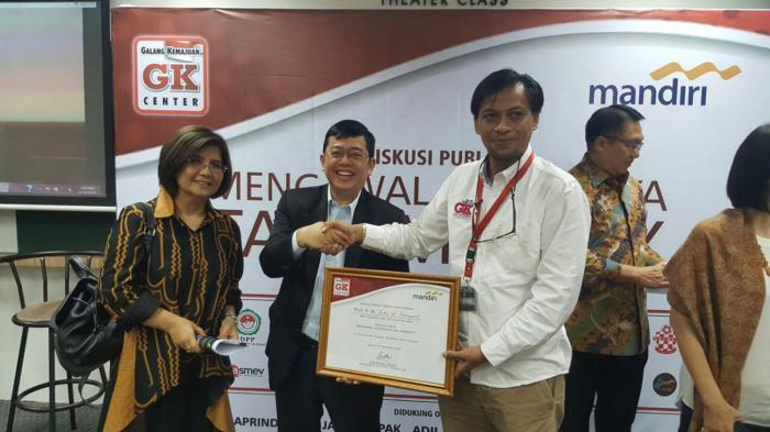 GK Center dan Relawan Pendukung Presiden Jokowi Gelar Diskusi Tax Amnesty - gk-center-dan-relawan-pendukung-presiden-jokowi-gelar-diskusi-tax-amnesty_20160910_190052.jpg