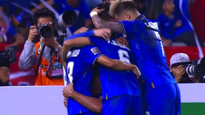 Chattong Bawa Thailand Unggul 2-0, Dua Menit Setelah Peluit Babak Kedua Berbunyi