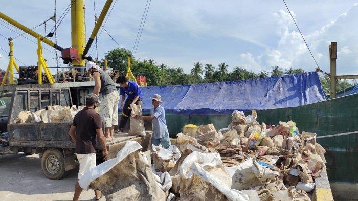 KSOP Jambi Tahan 8 Kapal Angkut Sembako Asal Lingga