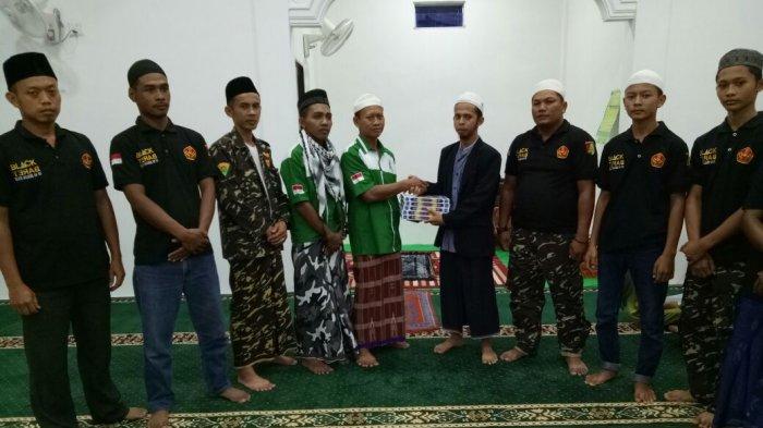 Memakmurkan Masjid dan Silaturahmi dengan Jemaahnya, GP Ansor Pinang Timur Tarawih Keliling!