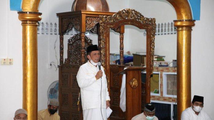 Gubernur Kepulauan Riau (Kepri), Ansar Ahmad saat safari Ramadhan di masjid Almuttaqin di Pelita Baru, Kuala Simpang, Bintan, Sabtu (17/4/2021).