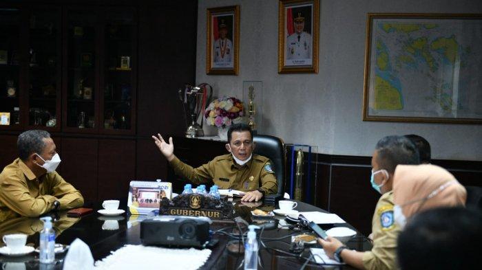 Gubernur Kepri Ansar Ahmad menyoroti lambatnya distribusi bantuan sosial covid-19, Senin (30/8/2021) pagi.