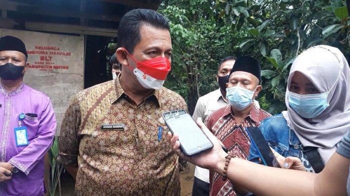Gubernur Kepri Ansar Ahmad di Desa Bintan Buyu, Kecamatan Teluk Bintan, Kabupaten Bintan, Provinsi Kepri, Jumat (13/8/2021).