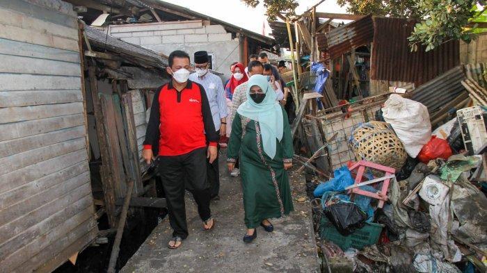 Gubernur Kepri Blusukan saat Libur, Pastikan Bantuan Sosial Covid-19 Tepat Sasaran