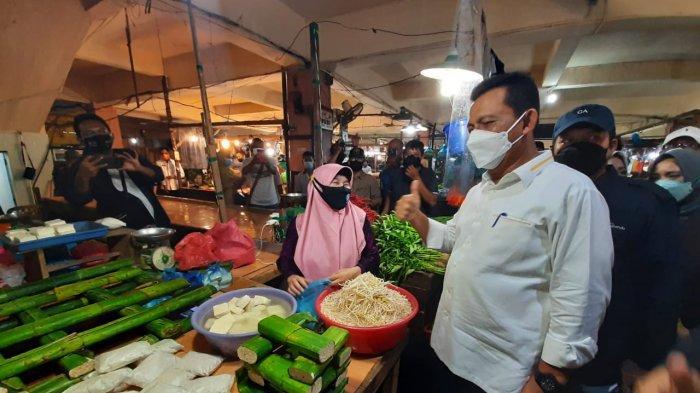 JELANG Ramadhan 2021, Gubernur Kepri Tinjau Pasar di Tanjungpinang, Soroti Protkes