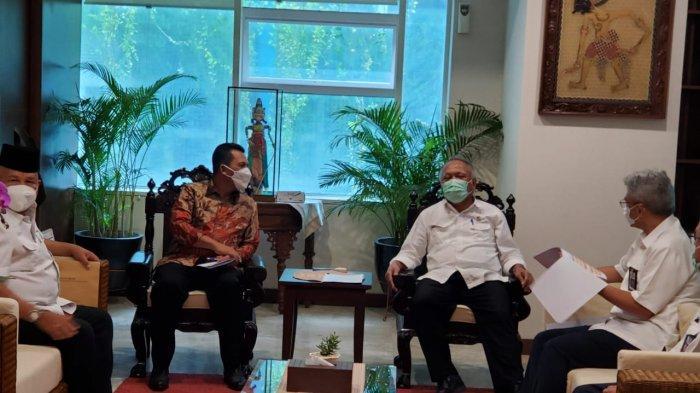 Gubernur Kepri Kebut Jembatan Batam Bintan, Menteri PUPR Kasih Restu. Foto Gubernur Kepri Ansar Ahmad bertemu Menteri PUPR di Jakarta, Senin (29/3/2021).