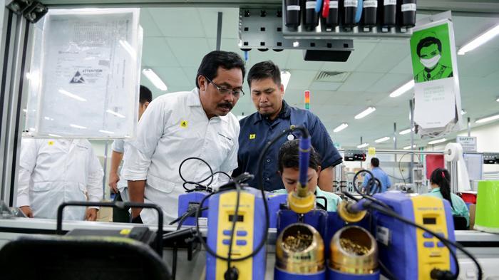 Gubernur Ingin Lobam Bintan Maju dan Berkembang - gubernur-kepri-nurdin-basirun-mengunjungi-kawasan-bintan-industrial-estate-lobam2_20160713_182731.jpg