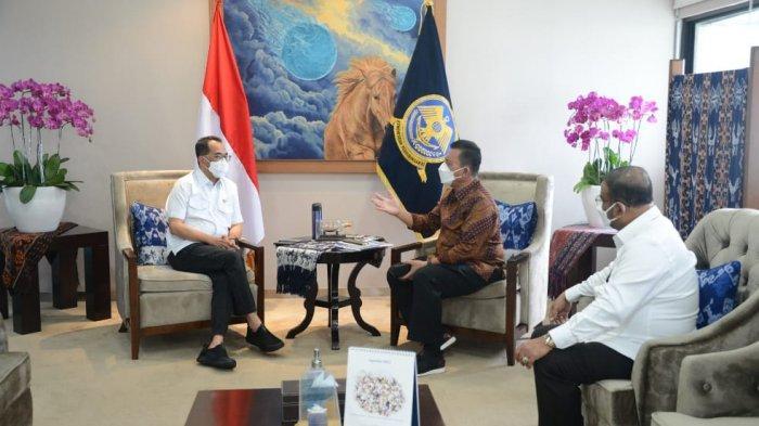 Gubernur Kepri bersama Menteri Perhubungan RI, Budi Karya Sumadi membahas tindak lanjut pembangunan pelabuhan Malako dan perpanjangan bandara di Kabupaten Karimun serta pelabuhan di Kabupaten Natuna.