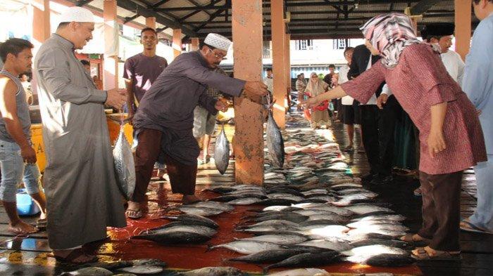 Pasar Tradisional Harus Dikemas Lebih Baik Lagi, Gubernur Kepri Tinjau Pasar Ikan Tarempa
