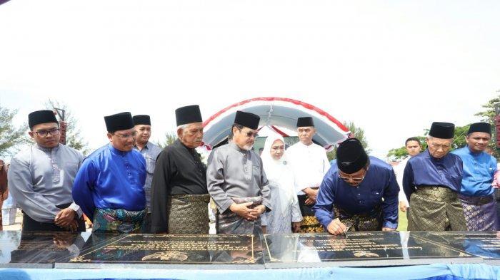 Empat Hari Gubernur Kepri Hadiri Puluhan Aktivitas dan Resmikan Proyek di Pulau Natuna
