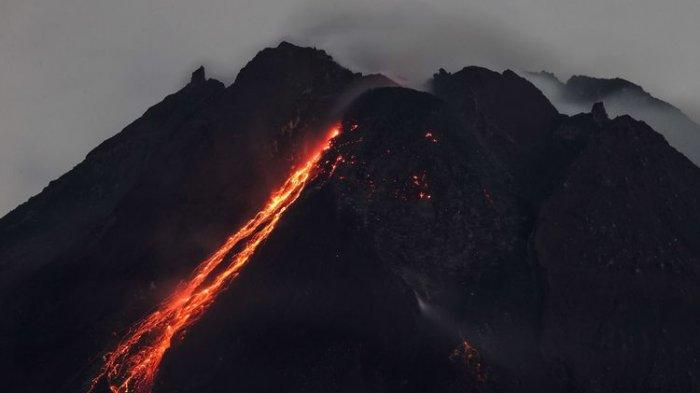 Mount Merapi Releases Hot Cloud of Avalanches with a Gliding Distance of 1,300 Meters