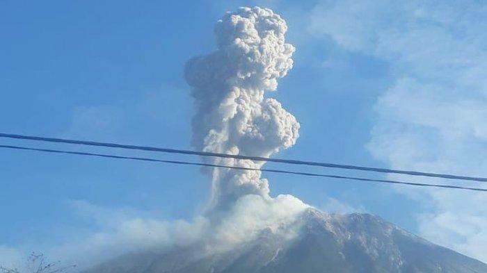 Ile Lewotolok Volcano Erupts, Ash Column Height Reaches 1,500 Meters