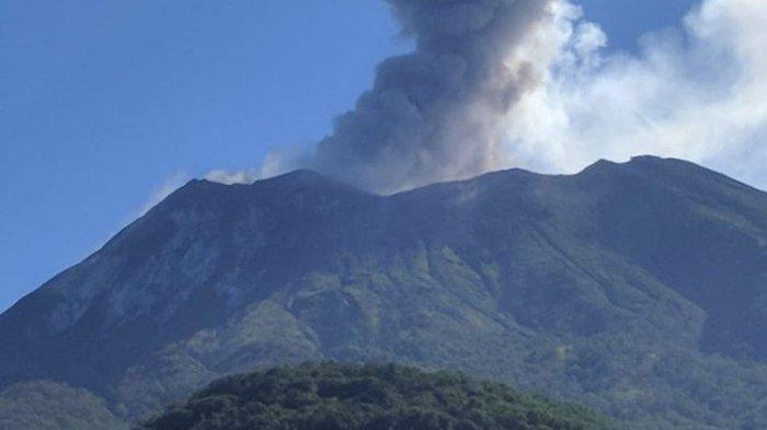 Mount Ile Lewotolok in Lembata Erupts, Ash Column Height Reaches 1,000 Meters
