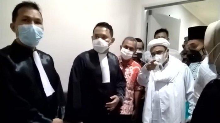 Habib Rizieq Shihab Tak Mau Sidang Online, Marahi Orang yang Merekam: Rekam Apa Ini, Jangan Dramalah