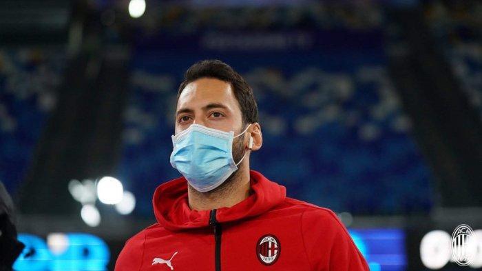 Barcelona Bajak Hakan Calhanoglu dari AC Milan