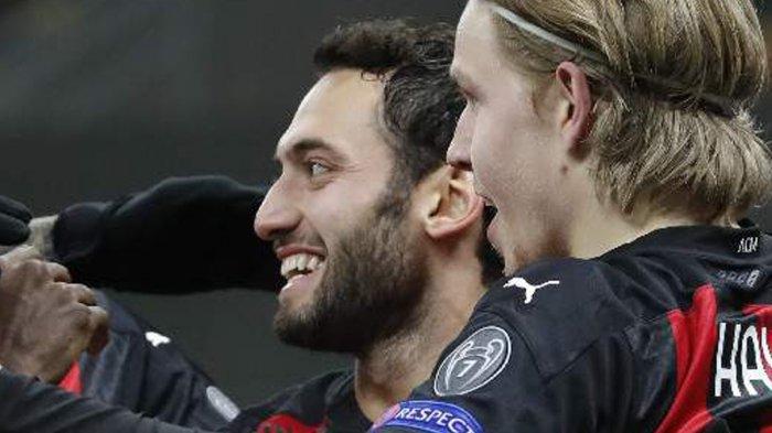 Nasib Pemain Muda AC Milan yang Kini Mulai Terpinggirkan, Hakan Calhanoglu: Jangan Pergi Dulu