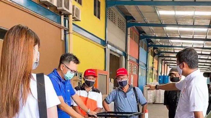 Gunakan CSR, PFF Paint Kelola 2.100 Liter Cairan Konsentrat Hand Sanitizer Bantuan dari Singapura