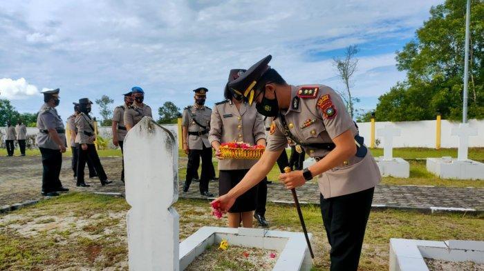 Hari Bhayangkara 2021, Polres Natuna Ziarah Taman Makam Pahlawan Bandarsyah