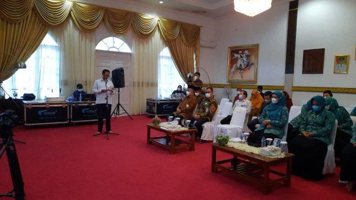 Pelaksana harian (Plh) Sekdaprov Kepri Lamidi saat menghadiri kegiatan DKP Kepri di Kabupaten Lingga. Selasa (13/7/2021) pagi ini ia akan dilantik menjadi Pj Sekda Kepri