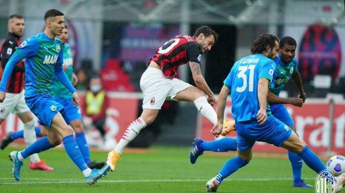 Hasil Liga Italia - Kena Comeback, Gol Hakan Calhanoglu Sia-sia, AC Milan Ditumbangkan Sassuolo 1-2